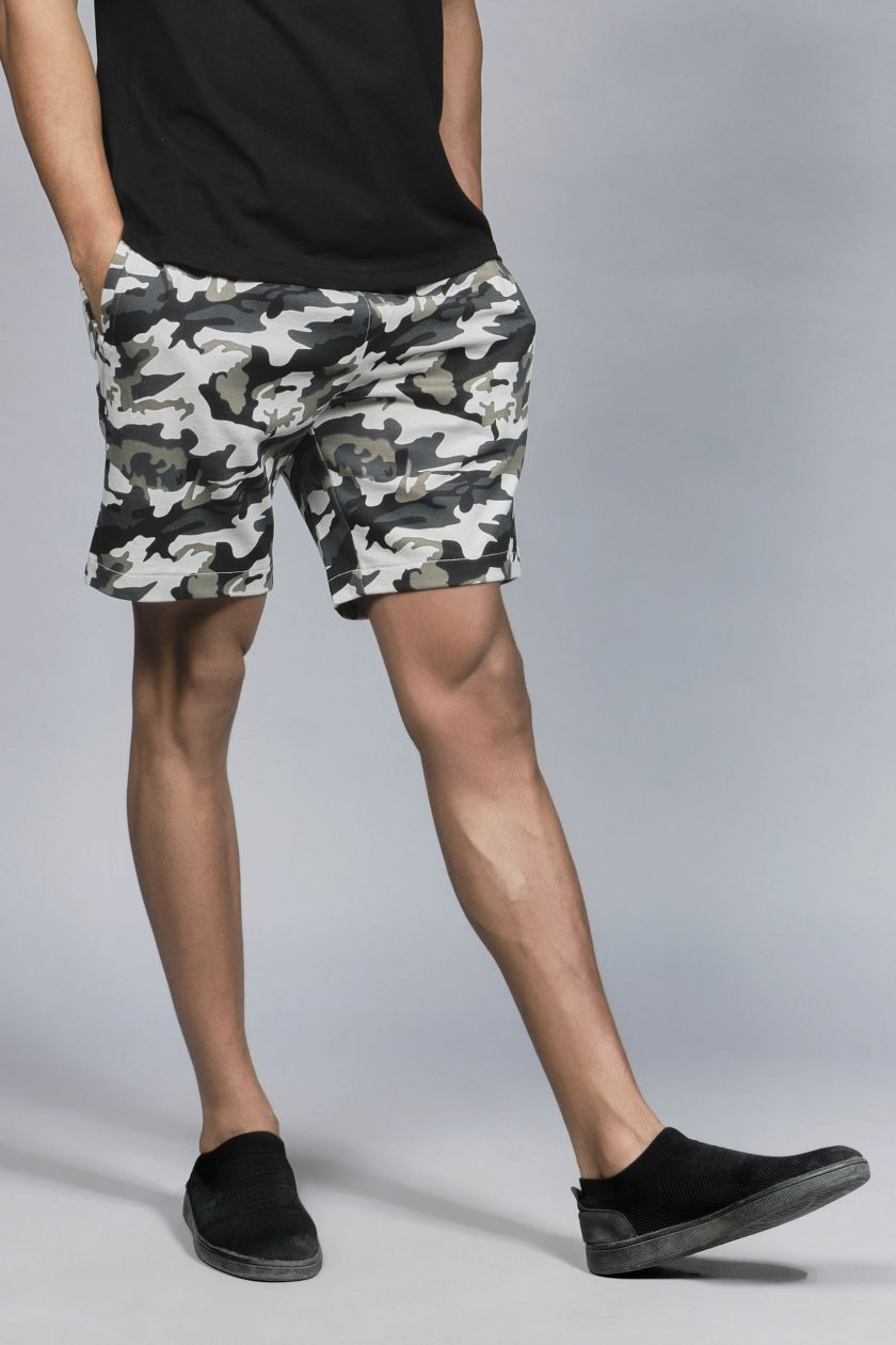 Voeux Camouflage Green Shorts